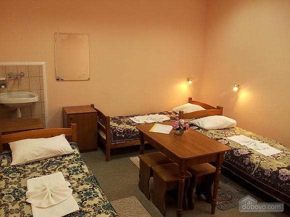 Кімната на чотирьох чоловік, 1-кімнатна (15172), 001