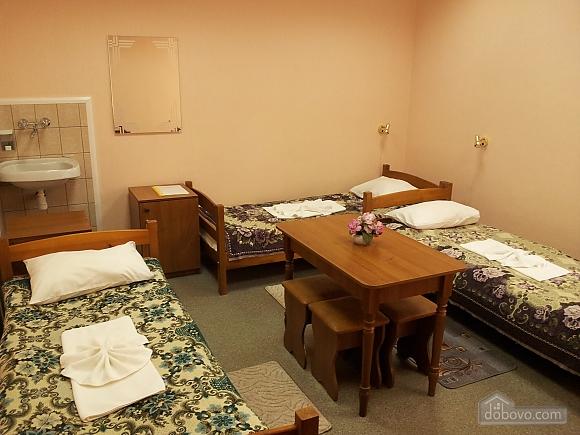 Кімната на чотирьох чоловік, 1-кімнатна (15172), 002