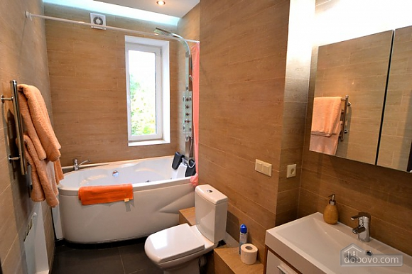 Apartment with jacuzzi in the city center, Due Camere (82786), 023
