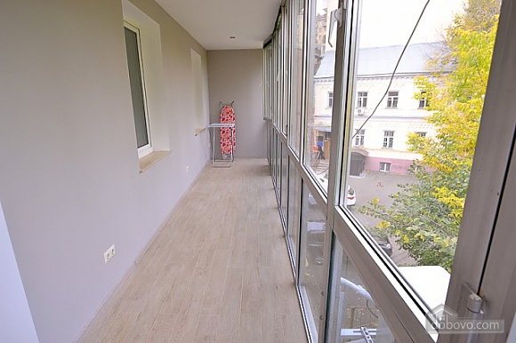 Apartment with jacuzzi in the city center, Due Camere (82786), 028