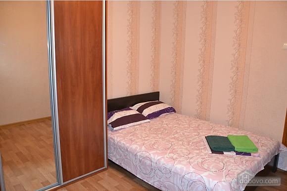 Квартиря біля метро Мінська, 2-кімнатна (15699), 001