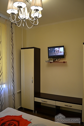 Сучасна квартира в тихому центрі, 2-кімнатна (16029), 005