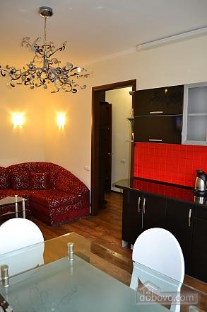 Сучасна квартира в тихому центрі, 2-кімнатна (16029), 006