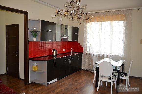 Сучасна квартира в тихому центрі, 2-кімнатна (16029), 004