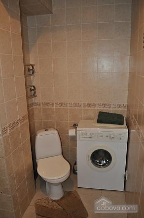 Затишна квартира в центрі міста, 2-кімнатна (61654), 008