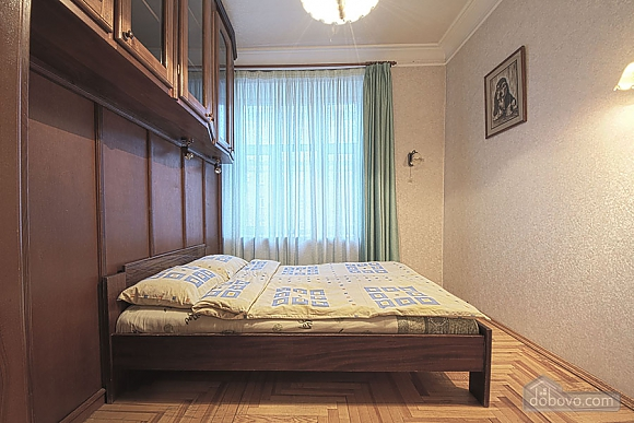 Apartment in the city center, Four Bedroom (39929), 003