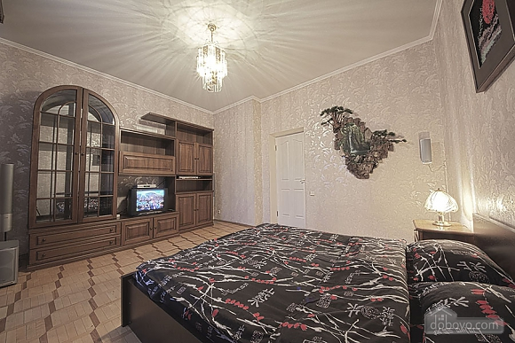 Apartment in the city center, Four Bedroom (39929), 008