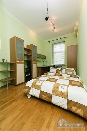 Lva Tolstoho square apartment, Due Camere (18797), 003