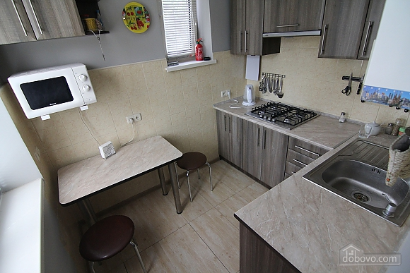 Stylish renovated, One Bedroom (64489), 005