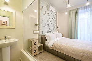 Quiet comfortable double room with shower and balcony, Studio, 001