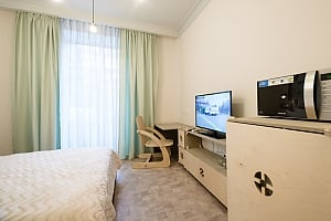 Quiet comfortable double room with shower and balcony, Studio, 004