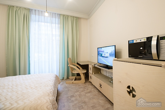 Quiet comfortable double room with shower and balcony, Studio (87137), 004