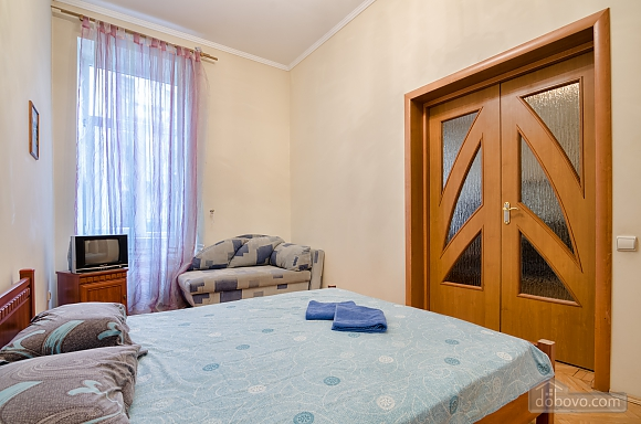 For 12 persons in the city center, Three Bedroom (87862), 010
