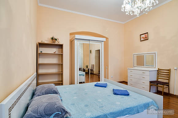For 12 persons in the city center, Three Bedroom (87862), 012