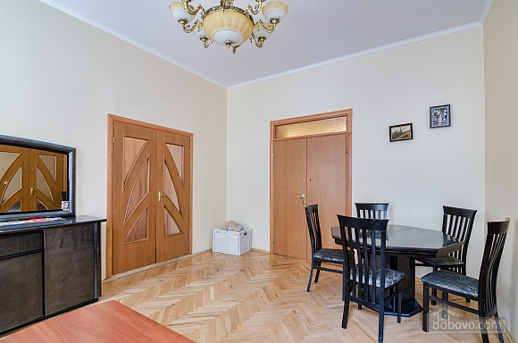 For 12 persons in the city center, Three Bedroom (87862), 017