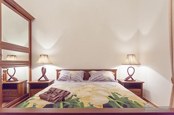Комфортная 3х комнатная квартира LUX на Майдане, 3х-комнатная (20379), 006