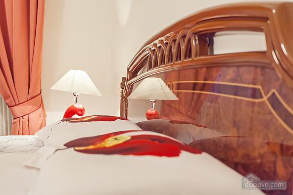 Комфортная 3х комнатная квартира LUX на Майдане, 3х-комнатная (20379), 015