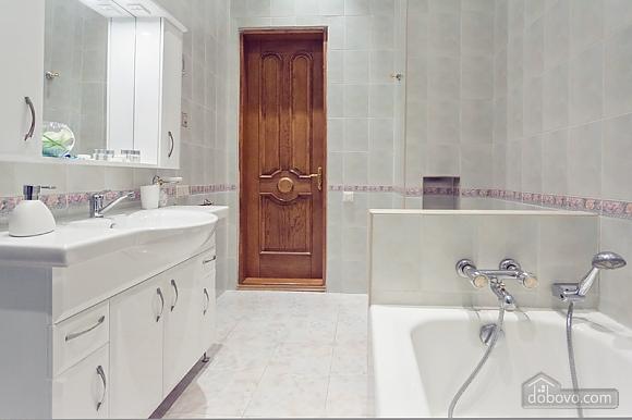 Комфортная 3х комнатная квартира LUX на Майдане, 3х-комнатная (20379), 019