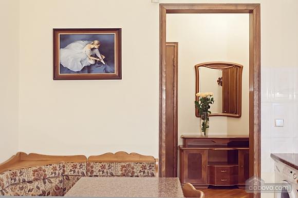 Комфортная 3х комнатная квартира LUX на Майдане, 3х-комнатная (20379), 025