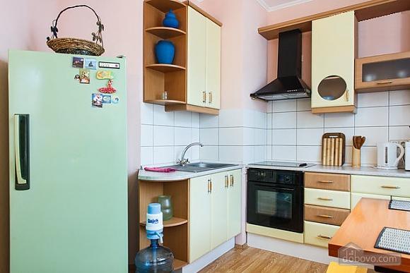 Квартира з хорошим інтер'єром, 2-кімнатна (87994), 002