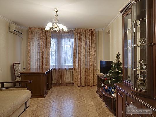Big comfortable apartment near subway, Three Bedroom (43093), 001