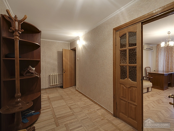 Big comfortable apartment near subway, Tre Camere (43093), 002