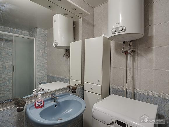Big comfortable apartment near subway, Three Bedroom (43093), 006
