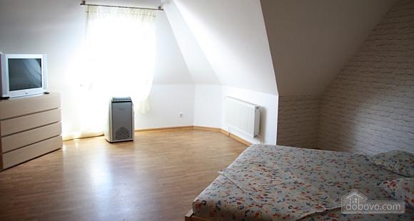 Затишна квартира, 4-кімнатна (20709), 021