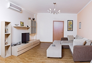 4 bedrooms Arcadia 15 minutes Derybasivska 10 minutes 140 m2, Three Bedroom, 001