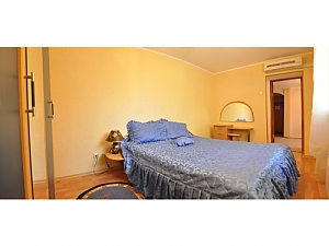 The apartment a block away from the main street, One Bedroom, 002
