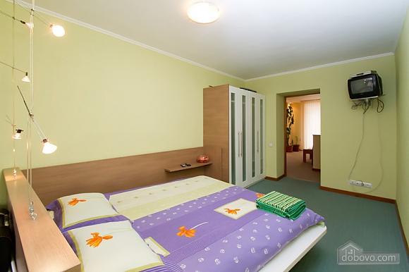 Затишна квартира в центрі Києва, 2-кімнатна (44148), 002