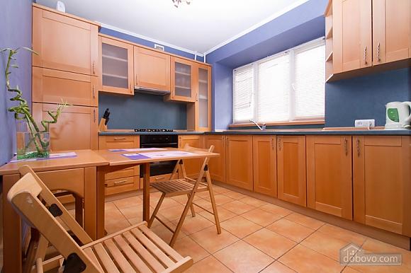 Затишна квартира в центрі Києва, 2-кімнатна (44148), 003
