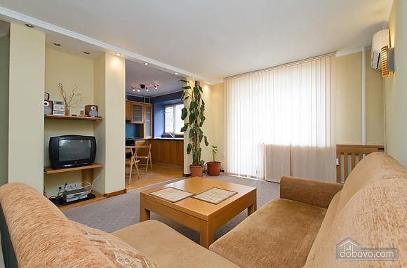 Затишна квартира в центрі Києва, 2-кімнатна (44148), 007