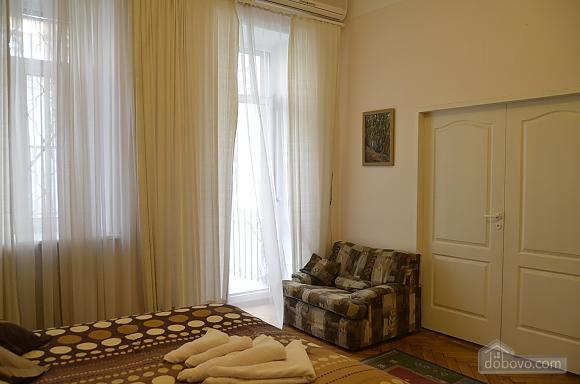 Квартира в центре Киева, 3х-комнатная (44609), 012