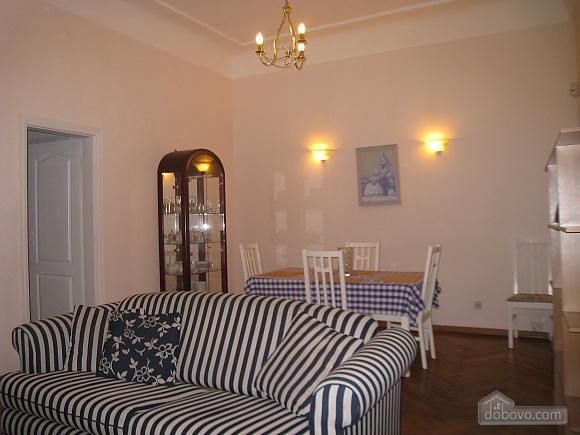 Квартира в центре Киева, 3х-комнатная (44609), 002