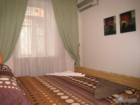 Квартира в центре Киева, 3х-комнатная (44609), 007