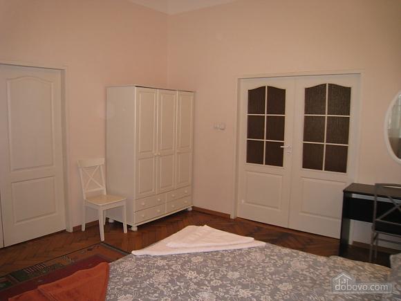 Квартира в центре Киева, 3х-комнатная (44609), 009