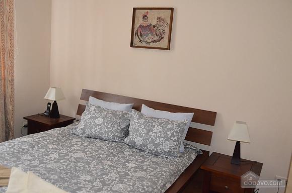 Современная квартира в центре Киева, 2х-комнатная (67192), 007