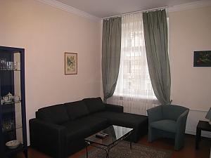 Contemporary apartment in Kyiv center, Un chambre, 001