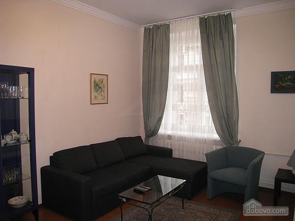 Современная квартира в центре Киева, 2х-комнатная (67192), 001