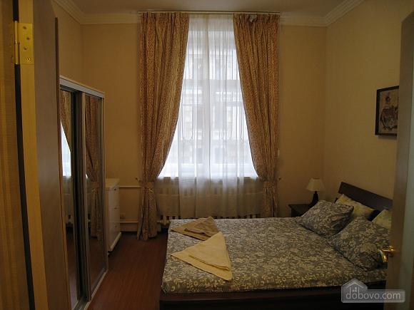 Современная квартира в центре Киева, 2х-комнатная (67192), 010