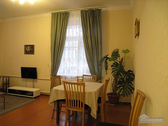 Современная квартира в центре Киева, 2х-комнатная (67192), 005