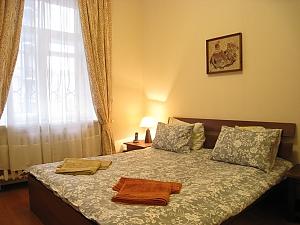 Contemporary apartment in Kyiv center, Un chambre, 002