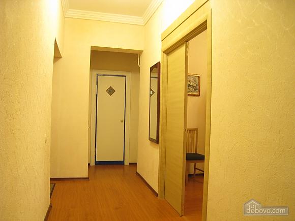 Современная квартира в центре Киева, 2х-комнатная (67192), 009