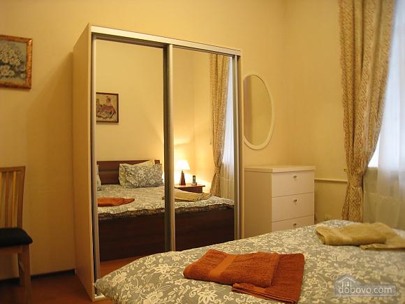 Современная квартира в центре Киева, 2х-комнатная (67192), 008