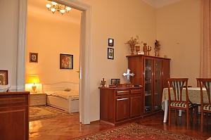 Современная квартира в центре Львова, 3х-комнатная, 003