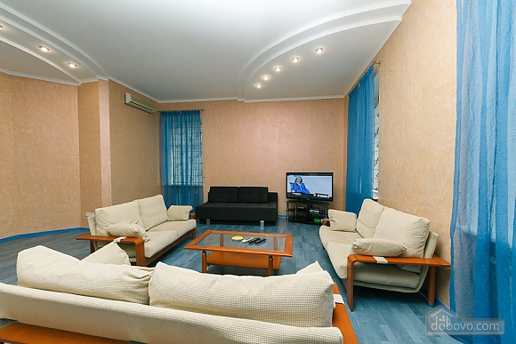 Designer's apartment on Lyuteranska, Three Bedroom (67389), 003