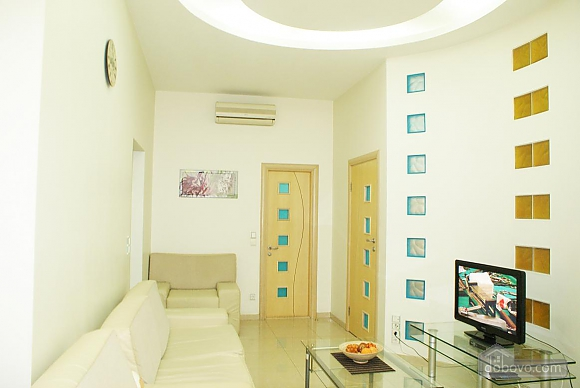 Люкс Апартаменты, 3х-комнатная (89906), 002