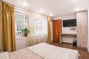 Separate suit in a hostel for 2, Studio, 002