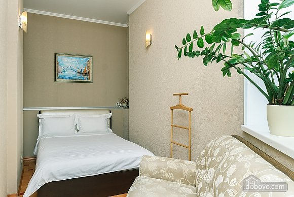 Cozy one bedroom apartment in the center of Kiev, Zweizimmerwohnung (22818), 008